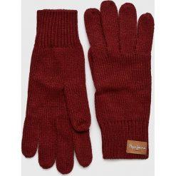Pepe Jeans - Rękawiczki Elissa. Czerwone rękawiczki damskie Pepe Jeans, z dzianiny. W wyprzedaży za 79.90 zł.