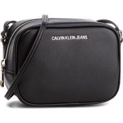 Torebka CALVIN KLEIN JEANS - Sculpted Camera Bag K40K400649  001. Czarne listonoszki damskie Calvin Klein Jeans, z jeansu. Za 399.00 zł.