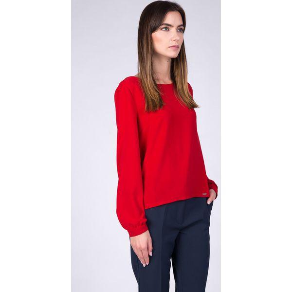 17fb6e1b29 Czerwona tkaninowa bluzka z dekoltem łódka QUIOSQUE - Czerwone ...
