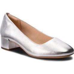 Półbuty CLARKS - Orabella Alice 261349624 Silver Leather. Szare półbuty damskie Clarks, z materiału. W wyprzedaży za 279.00 zł.