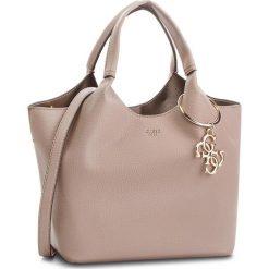 Torebka GUESS - HWVG68 65060 TAU. Brązowe torebki do ręki damskie Guess, ze skóry ekologicznej. W wyprzedaży za 479.00 zł.