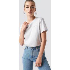 NA-KD Trend T-shirt oversize Official - Grey. Szare t-shirty damskie NA-KD Trend, z nadrukiem, z jersey, z okrągłym kołnierzem. Za 72.95 zł.