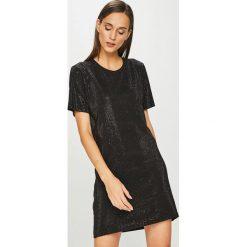 Diesel - Sukienka. Czarne sukienki damskie Diesel, z bawełny, casualowe, z okrągłym kołnierzem, z krótkim rękawem. Za 869.90 zł.