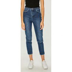 Trendyol - Jeansy. Niebieskie jeansy damskie Trendyol. Za 119.90 zł.