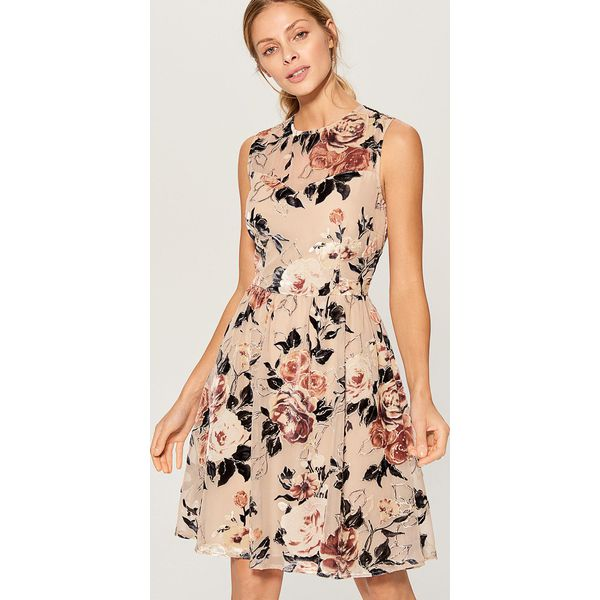 d7f7359d56 Rozkloszowana sukienka w kwiaty - Wielobarwn - Różowe sukienki ...