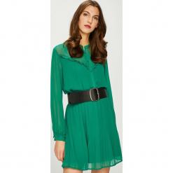 Pepe Jeans - Sukienka Luppe. Zielone sukienki damskie Pepe Jeans, z jeansu, casualowe, z długim rękawem. Za 359.90 zł.