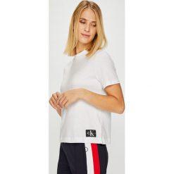 Calvin Klein Jeans - Top. Szare topy damskie Calvin Klein Jeans, z bawełny, z okrągłym kołnierzem, z krótkim rękawem. Za 179.90 zł.