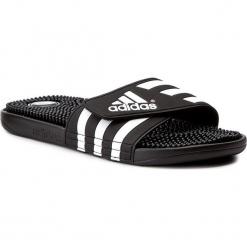Klapki adidas - adissage 078260 Black/Black/Runwht. Czarne klapki męskie Adidas, z tworzywa sztucznego. Za 129.00 zł.