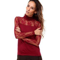 Koszulka w kolorze bordowym. Czerwone bluzki damskie Assuili, w koronkowe wzory, z koronki, ze stójką. W wyprzedaży za 58.95 zł.