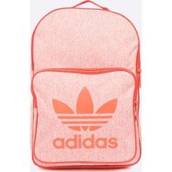 Adidas Originals - Plecak. Różowe plecaki damskie adidas Originals. W wyprzedaży za 119.90 zł.