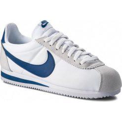 Buty NIKE - Classic Cortez Nylon 807472 102  White/Gym Blue. Białe buty sportowe męskie Nike, z materiału. W wyprzedaży za 269.00 zł.