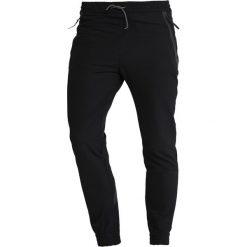 HUEZ MICROTTO Spodnie materiałowe black. Spodnie sportowe męskie HUEZ, z bawełny, sportowe. Za 669.00 zł.