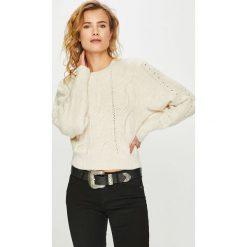 Answear - Sweter. Szare swetry damskie ANSWEAR, z dzianiny, z okrągłym kołnierzem. Za 169.90 zł.