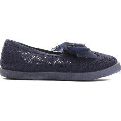 Granatowe Tenisówki Can I Have. Niebieskie buty sportowe dziewczęce Born2be, w koronkowe wzory, z koronki. Za 29.99 zł.