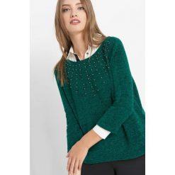 Koszulka z perełkami. Zielone bluzki damskie Orsay, z dzianiny, klasyczne, z klasycznym kołnierzykiem, z długim rękawem. Za 59.99 zł.