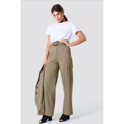NA-KD Classic Spodnie w kratkę - Brown,Beige. Brązowe spodnie materiałowe damskie NA-KD Classic, z haftami. Za 222.95 zł.