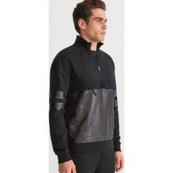 Bluza z kieszenią - Czarny. Czarne bluzy męskie Reserved. Za 139.99 zł.