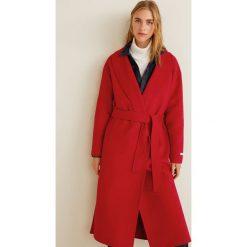 Mango - Płaszcz Loves. Czerwone płaszcze damskie Mango, w paski, z materiału. Za 549.90 zł.