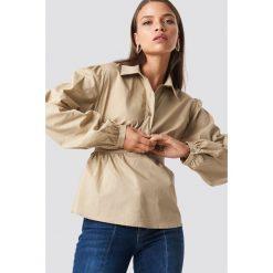 NA-KD Trend Krótka koszula z miseczkami - Beige. Brązowe koszule damskie NA-KD Trend, z krótkim rękawem. Za 161.95 zł.