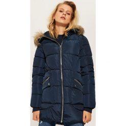 Pikowana kurtka z kapturem - Granatowy. Niebieskie kurtki damskie House. Za 229.99 zł.