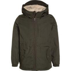 Element STARK BOY Kurtka zimowa moss green. Kurtki i płaszcze dla chłopców Element, na zimę, z bawełny. W wyprzedaży za 381.75 zł.