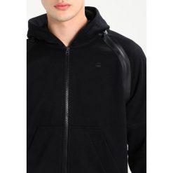 GStar RACKAM HOODED ZIP SW L/S Bluza rozpinana black. Kardigany męskie G-Star, z bawełny. W wyprzedaży za 594.15 zł.