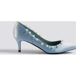NA-KD Shoes Czółenka z perłami - Blue. Niebieskie czółenka damskie NA-KD Shoes, z satyny. Za 121.95 zł.