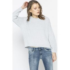 Tally Weijl - Sweter SPUPENILL. Szare swetry damskie TALLY WEIJL, z dzianiny, z okrągłym kołnierzem. W wyprzedaży za 69.90 zł.