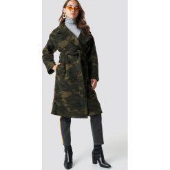 NA-KD Trend Płaszcz moro - Green,Multicolor. Zielone płaszcze damskie NA-KD Trend, moro, z poliesteru. Za 647.95 zł.