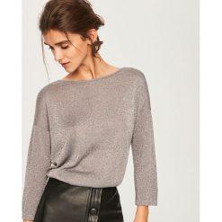 Sweter z wiązaniem z tyłu - Szary. Swetry damskie marki bonprix. W wyprzedaży za 49.99 zł.