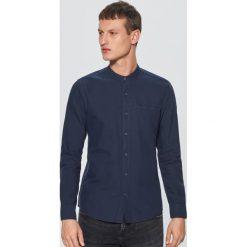 Gładka koszula ze stójką - Granatowy. Niebieskie koszule męskie Cropp, ze stójką. Za 79.99 zł.