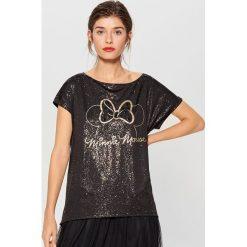Błyszcząca koszulka Mickey Mouse Special Collection - Czarny. Czarne t-shirty damskie Mohito, z motywem z bajki. Za 69.99 zł.