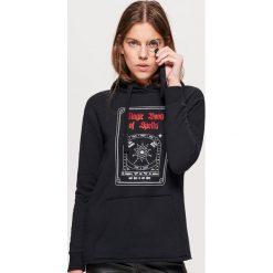 Bluza z motywem HALLOWEEN - Czarny. Czarne bluzy damskie Cropp. Za 69.99 zł.