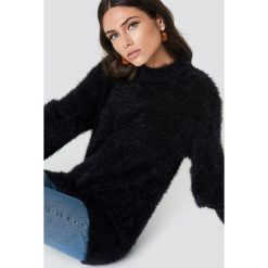 Rut&Circle Sweter z bufiastym rękawem Ferdone - Black. Czarne swetry damskie Rut&Circle, z dzianiny, z okrągłym kołnierzem. Za 161.95 zł.