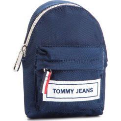 Saszetka TOMMY JEANS - Tj Logo Tape Hanging Pouch AU0AU00271 901. Niebieskie saszetki męskie Tommy Jeans, z jeansu, młodzieżowe. Za 229.00 zł.
