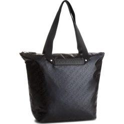 Torebka CALVIN KLEIN - City To Beach Shoppe K60K604297 910. Czarne torebki do ręki damskie Calvin Klein, z materiału. Za 549.00 zł.