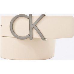 Calvin Klein Jeans - Pasek. Paski damskie Calvin Klein Jeans, w paski, z jeansu. W wyprzedaży za 219.90 zł.
