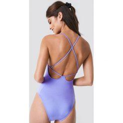 Trendyol Kostium kąpielowy z odkrytymi plecami - Purple. Fioletowe kostiumy jednoczęściowe damskie Trendyol. W wyprzedaży za 99.37 zł.