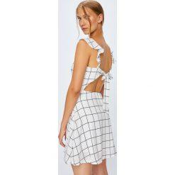 Tally Weijl - Sukienka. Szare sukienki damskie TALLY WEIJL, z elastanu, casualowe. W wyprzedaży za 89.90 zł.