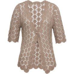 Sweter rozpinany szydełkowy bonprix brunatny. Brązowe kardigany damskie bonprix. Za 99.99 zł.