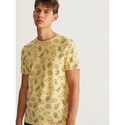 T-shirt THE SIMPSONS - Żółty. T-shirty męskie marki Giacomo Conti. W wyprzedaży za 39.99 zł.