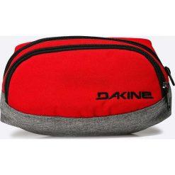 Dakine - Saszetka. Czerwone saszetki męskie Dakine, z materiału, casualowe. W wyprzedaży za 84.90 zł.