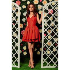 Sukienka z falbanami i koronka l260. Czerwone sukienki dla dziewczynek Lemoniade, w koronkowe wzory, z koronki, eleganckie. W wyprzedaży za 179.00 zł.