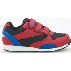 Sportowe buty zapinane na rzepy - Czerwony. Buty sportowe chłopięce marki bonprix. Za 59.99 zł.