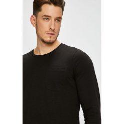Produkt by Jack & Jones - Longsleeve. Czarne bluzki z długim rękawem męskie PRODUKT by Jack & Jones, z bawełny, z okrągłym kołnierzem. W wyprzedaży za 39.90 zł.