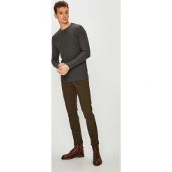 Review - T-shirt. Szare bluzki z długim rękawem męskie Review, z bawełny, z okrągłym kołnierzem. Za 89.90 zł.