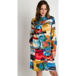 Kolorowa sukienka z długim rękawem zapinana na guziki  BIALCON. Czarne sukienki damskie BIALCON, w jednolite wzory, z długim rękawem. W wyprzedaży za 223.00 zł.