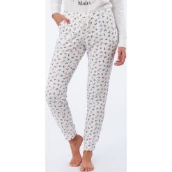 Etam - Spodnie piżamowe Olympe. Szare piżamy damskie Etam, z bawełny. W wyprzedaży za 79.90 zł.