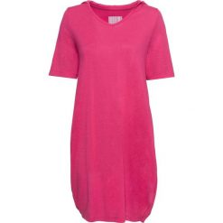 Sukienka shirtowa z kapturem bonprix różowy. Czerwone sukienki damskie bonprix, z dekoltem w serek. Za 37.99 zł.