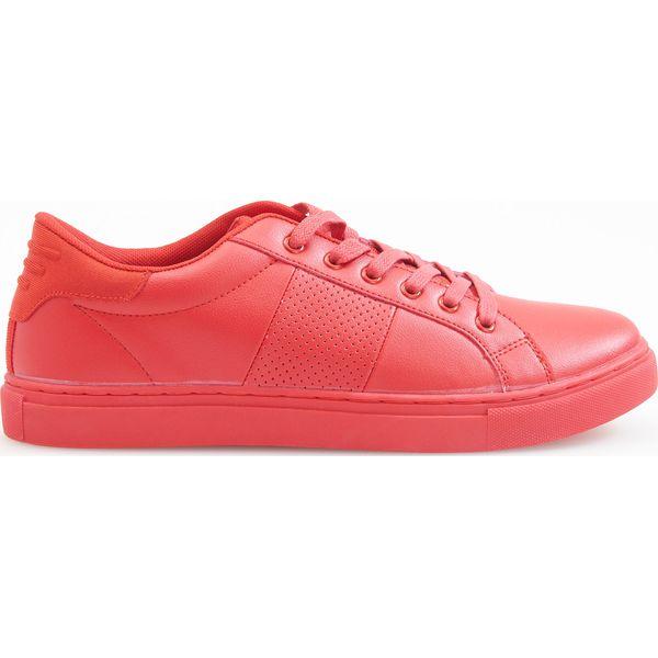 f5ed62edf3d75 Sportowe buty - Czerwony - Buty sportowe męskie marki Reserved. W ...